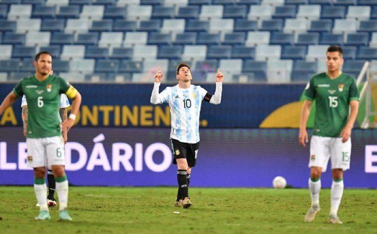 Argentina goleó en la noche del 10, con un partidazo de Acuña; se viene Ecuador