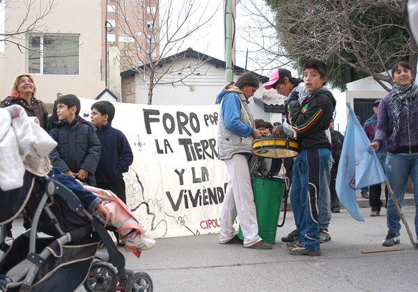 Ocupantes se reunieron con Bravo y concejales