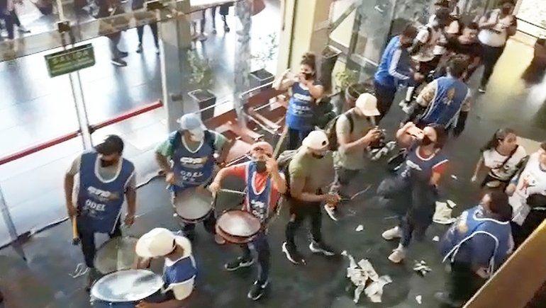 La policía identificó a algunos de los atacantes