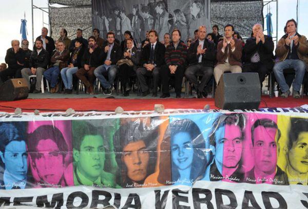 Condenan a prisión perpetua a los autores de la Masacre de Trelew