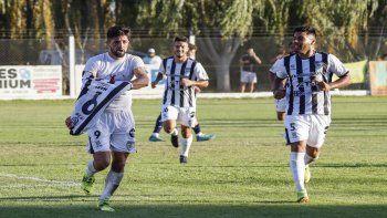 Zárate y Mellado, goleadores y figuras en la victoria de Cipo ante Peñarol de San Juan.
