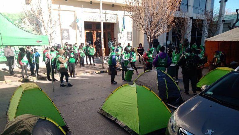 ATE acampa en las puertas de la Legislatura por el pase a planta permanente