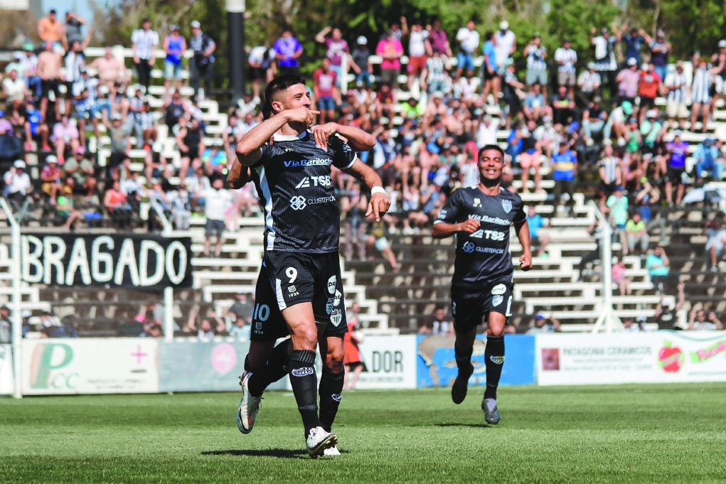 El Tanque Juan Pablo Zárate no para de marcar con la camiseta de Cipo y es el máximo artillero del Federal A.