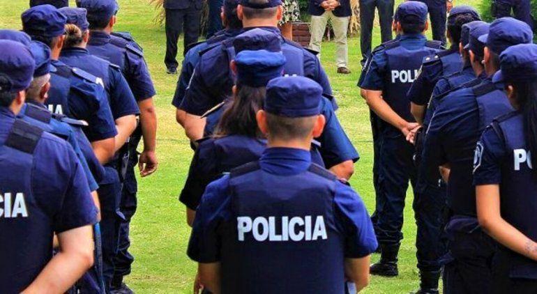 Policía denunció a cinco compañeros por una violación en manada