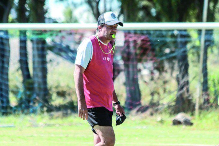 Raggio citó al equipo para entrenar hoy a las 8.30.