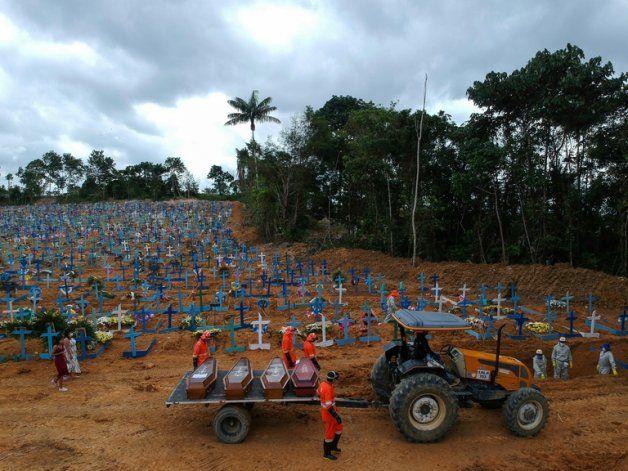 Brasil dejó de informar la cifra total de muertes por coronavirus