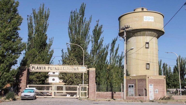 Bronca por actos de vandalismo en la planta potabilizadora de agua
