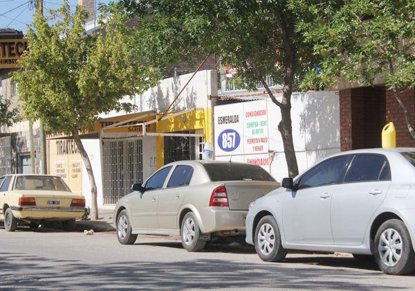 Clausuran un local de venta de autos