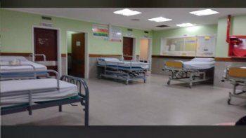 por los contagios de coronavirus, habilitaron camas de internacion en la sala de espera del hospital