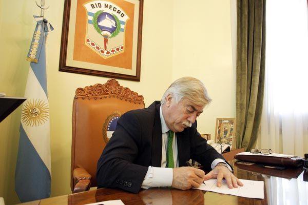 El Gobernador remitió tres proyectos de Ley al Parlamento