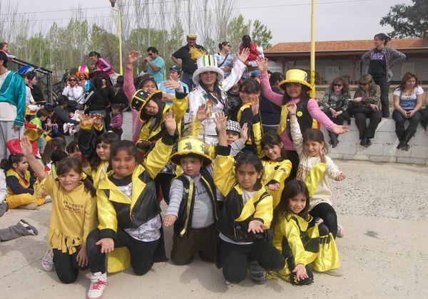 Encuentro multitudinario de Escuelas Primarias y Jardines en Oro