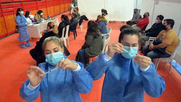 Llegarán más de un millón de dosis de AstraZeneca entre el domingo y lunes