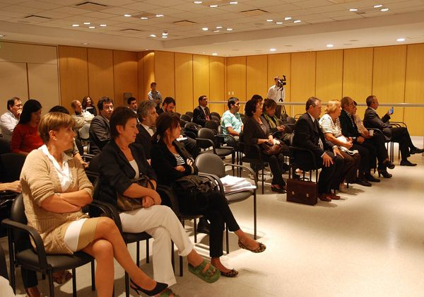 González dio testimonio en jury a Iribarren