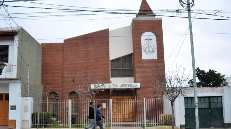 Sin agua bendita y una persona por banco: las reglas para abrir las iglesias