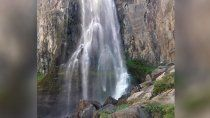 la figura de cristo sorprendio a turistas en la cascada la fragua