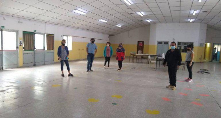Dirigentes de ATE recorrieron las escuelas y analizaron la situación con los porteros.