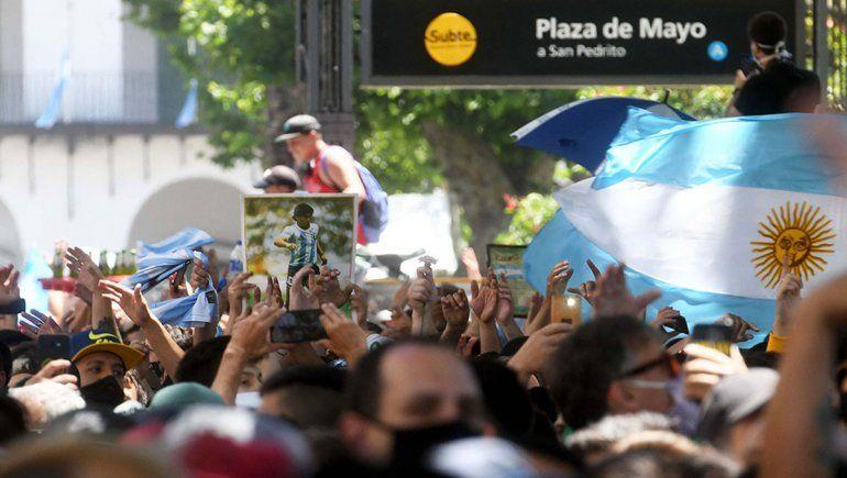 Seguí en vivo el cortejo fúnebre de Diego Maradona