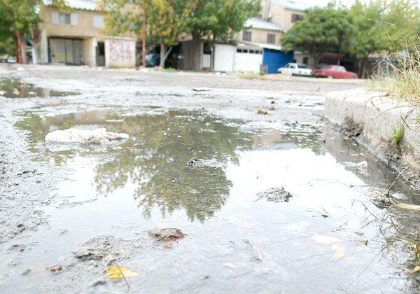 Reclaman a ARSA acelerar reparación de pérdidas de agua potable y cloacas