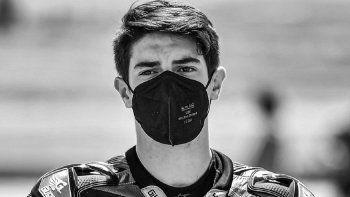 Muere motociclista de 15 años tras ser atropellado en plena carrera