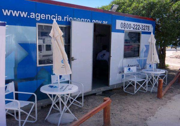Puesto móvil de atención al contribuyente en el balneario Las Grutas