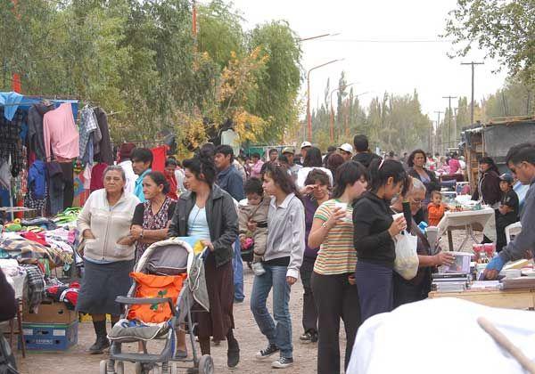 Feria religiosa y popular en el Mapu