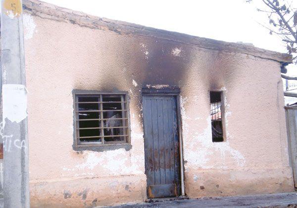 Incendiaron una compra y venta en Fernández Oro