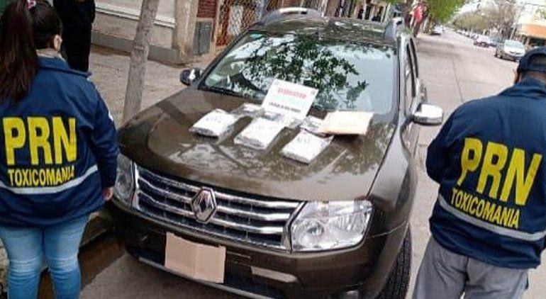 Dos jóvenes detenidos con más de $3 millones en cocaína