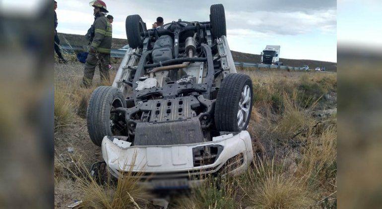 Volcaron y el conductor deberá indemnizar al acompañante herido