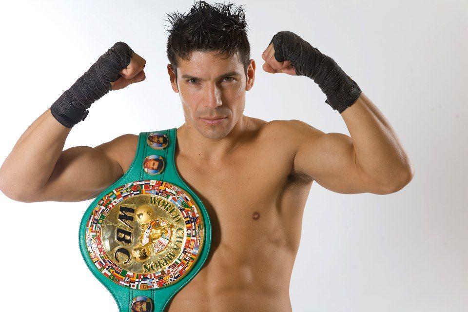 Maravilla Martinez fue invitado a la pelea de Viñas