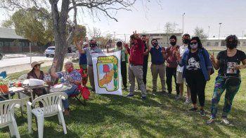 peronistas caminan  barrios cipolenos en busca de votos