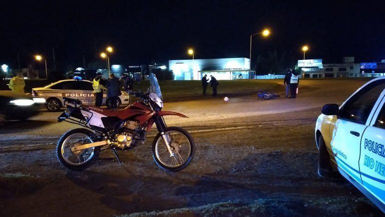 Un choque entre una moto y un auto terminó con un hombre hospitalizado