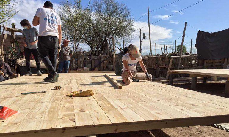 Construyeron ocho viviendas de emergencia en el barrio Martín Fierro