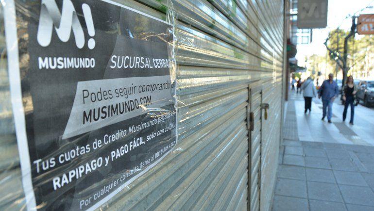 También cerró el local de Musimundo en Neuquén y ya son más de 30 en todo el país